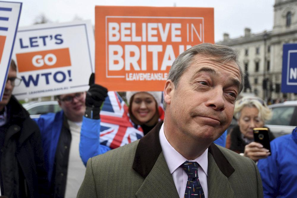 Británie se připravuje na rozhodnutí o Brexitu (Nigel Farage na snímku)