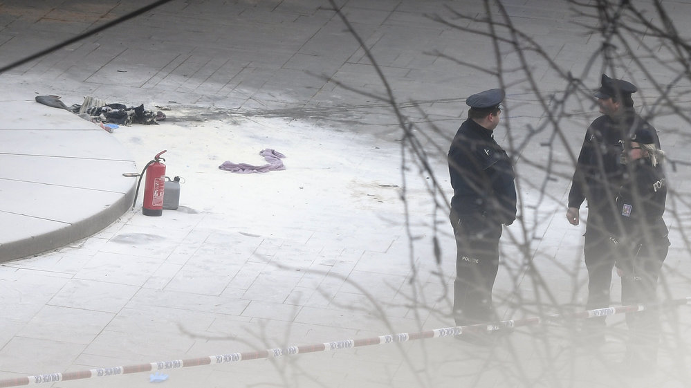 18. ledna  2019 se v horní části Václavského náměstí zapálil muž. Podle záchranářů je popálený na 30% těla.