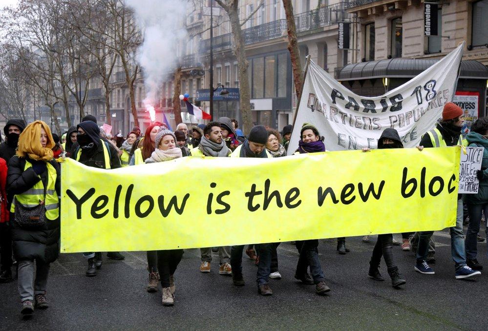"""Protest """"žlutých vest"""" v Paříži proti prezidentu Macronovi (19. 1. 2019)"""