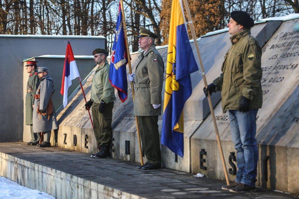 Pieta za oběti sedmitýdenní války uspořádaná v Orlové v roce 2016