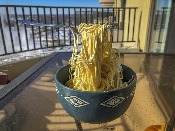 Zamrzlá Amerika: Je libo zmrzlé špagety? Fotka z amerického Chicaga.