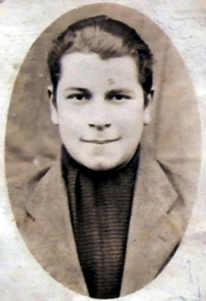 Alois Bauer je pohřben tamtéž