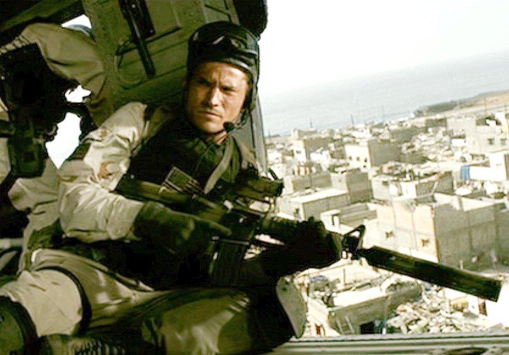 Nikolaj Coster Waldau ve filmu Černý jestřáb sestřelen, 2001 (ČSFD: 87 %)