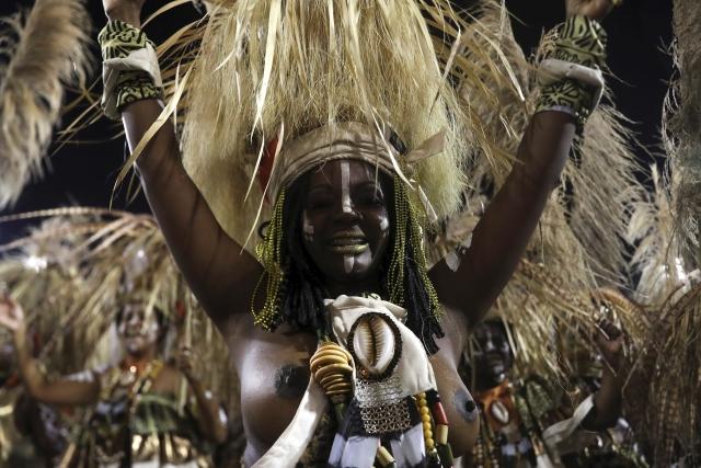 Slavný karneval ovládl brazilské Rio de Janeiro i v roce 2019