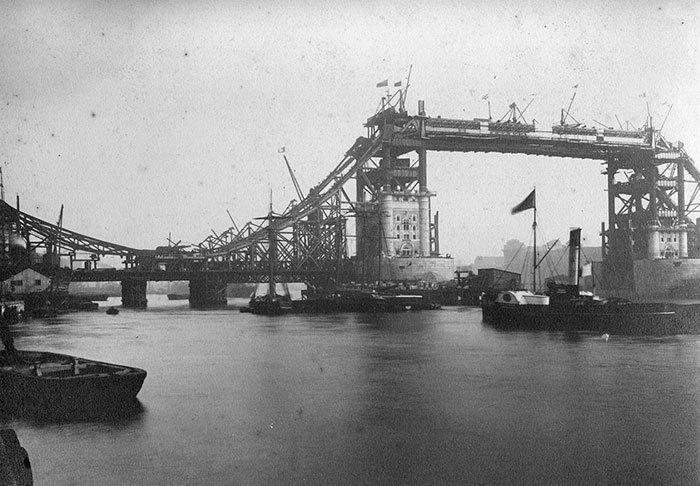 Ikonický Tower Bridge v Londýně vznikal v letech 1886-94