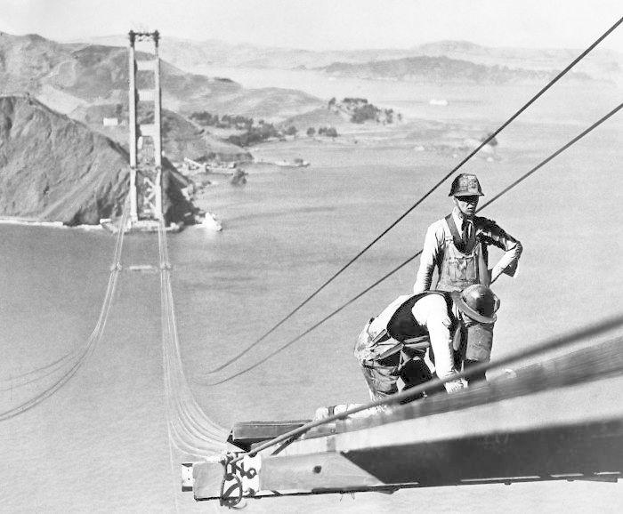Golden Gate Bridge v San Franciscu, výstavba probíhala v letech 1933-37 a stála 11 životů