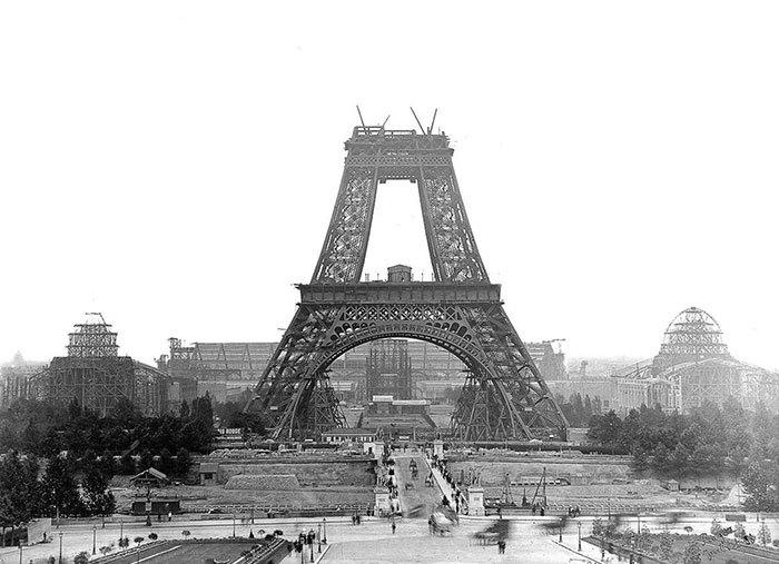 Eiffelova věž, 1887-89 ke staletému výročí Velké francouzské revoluce