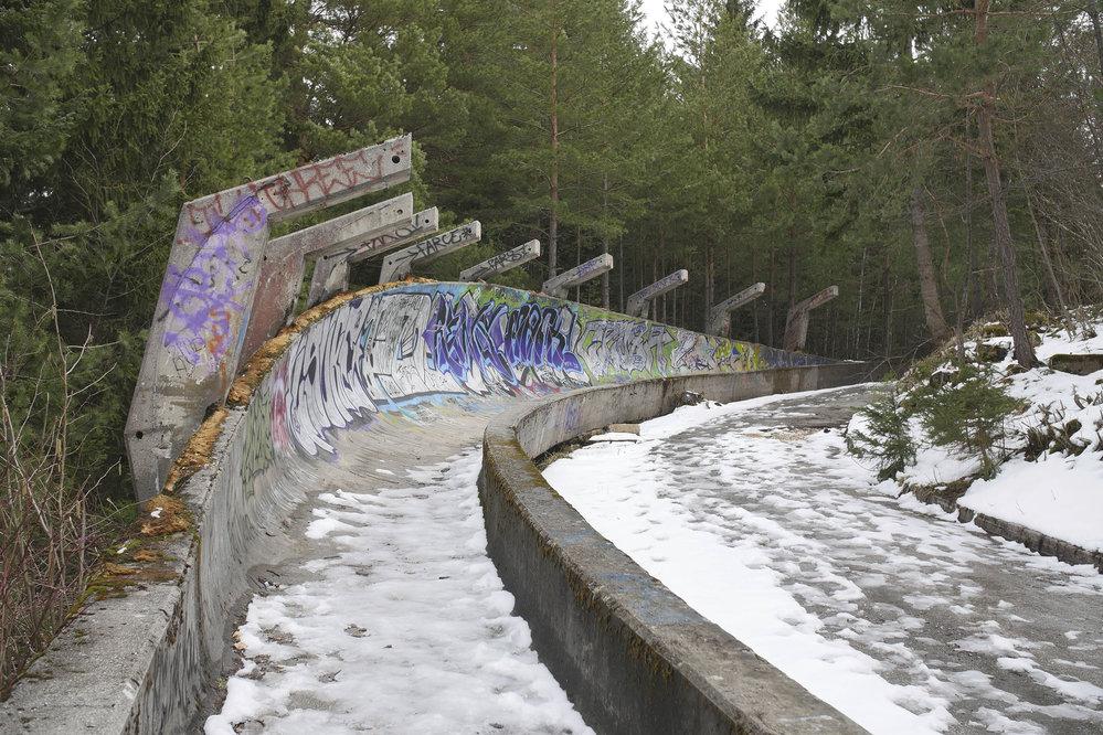 Takhle vypadá olympijská bobová dráha v Sarajevu, která hostila zimní olympijské hry v roce 1984