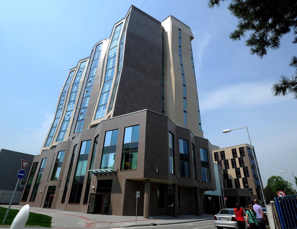 Bratislavský hotel DoubleTree by Hilton přímo sousedí se Zimním stadionem Ondreje Nepely