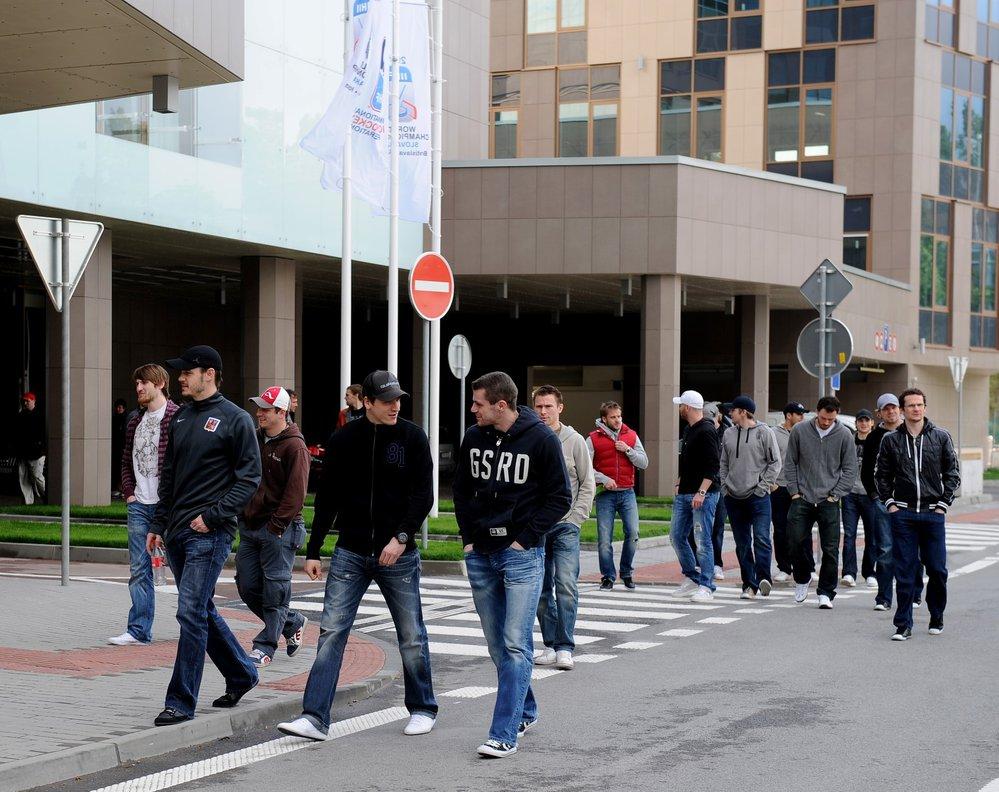 V roce 2011 nepotřebovali čeští hokejisté ani autobus, i na letošním turnaji budou chodit pěšky