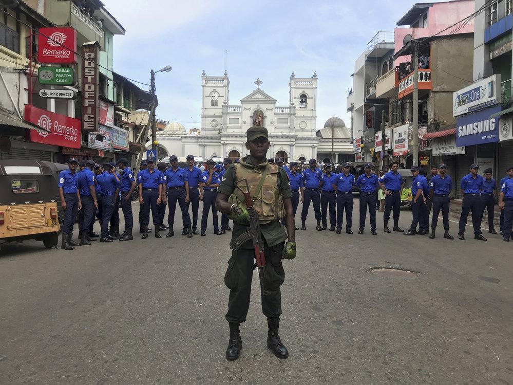 V ulicích Srí Lanky je policie