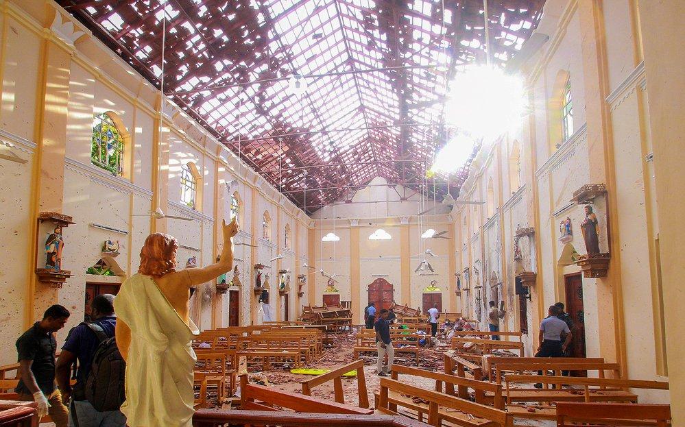 Jeden z kostelů po útoku teroristů. (21.4.2019)