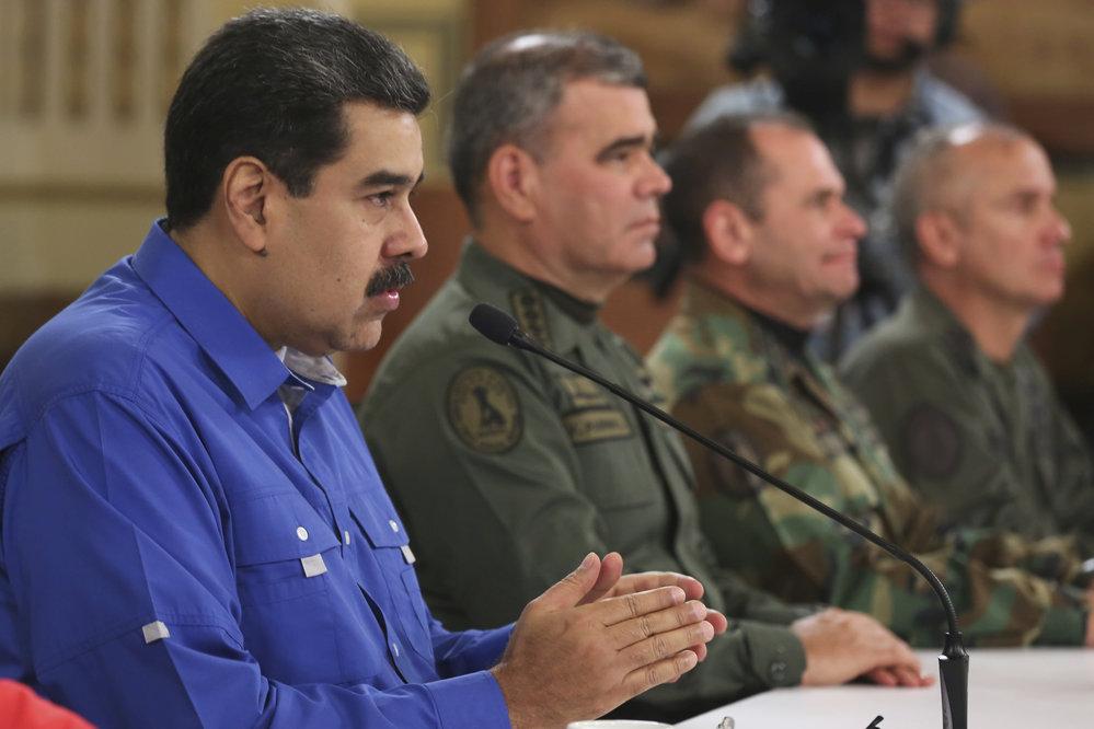 Venezuelský prezident Maduro byl připraven prchnout ze zěm, tvrdí USA