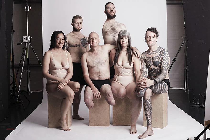 Krása lidí s fyzickým postižením na fotografiích Elise Dumontetové.