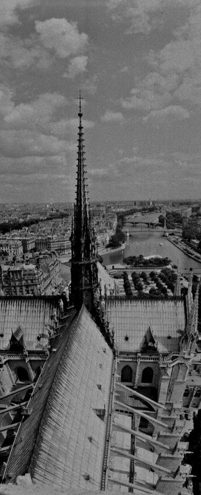 Středová věžička katedrály Notre-Dame, 1975