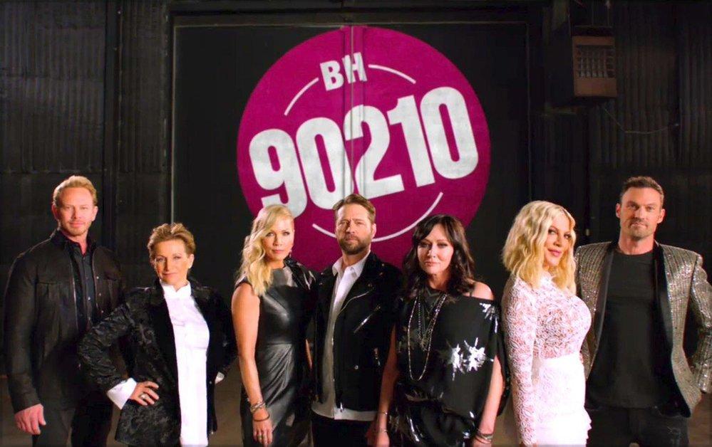 Kultovní seriál Beverly Hills 90210 se na televizní obrazovky vrací po dlouhých 19 letech.
