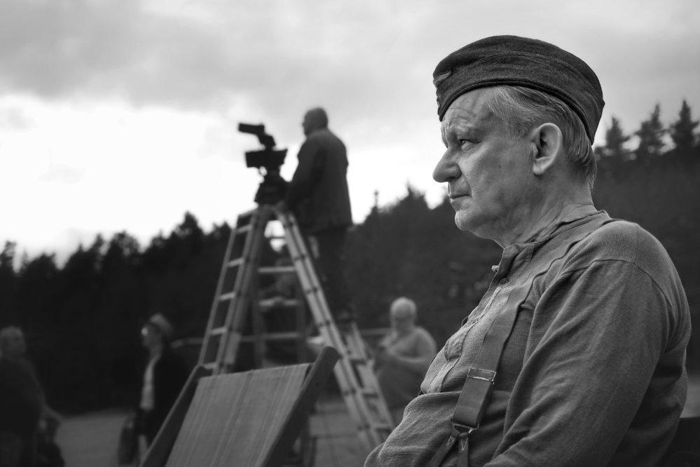 Stellan Skarsgard ve filmu Nabarvené ptáče