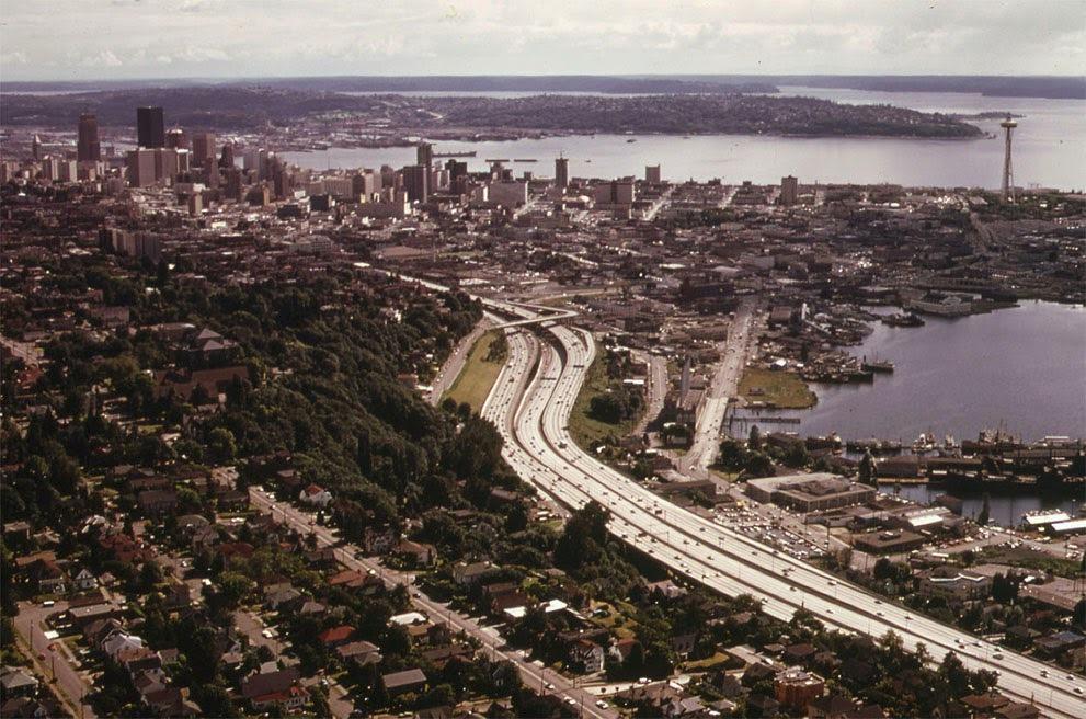 Seattle a zátoka Elliott (červen, 1973).