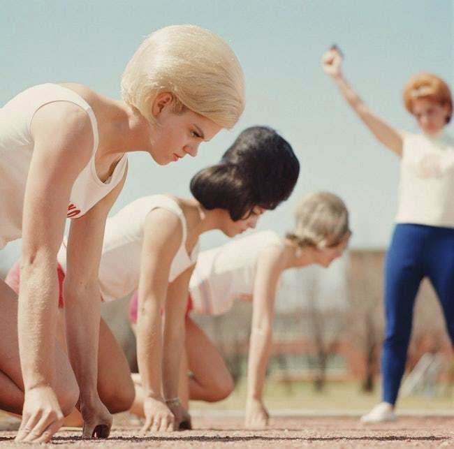 1964 – V texaském Abilene se při závodech s aerodynamikou účesů nikdo dopodrobna nezabýval.