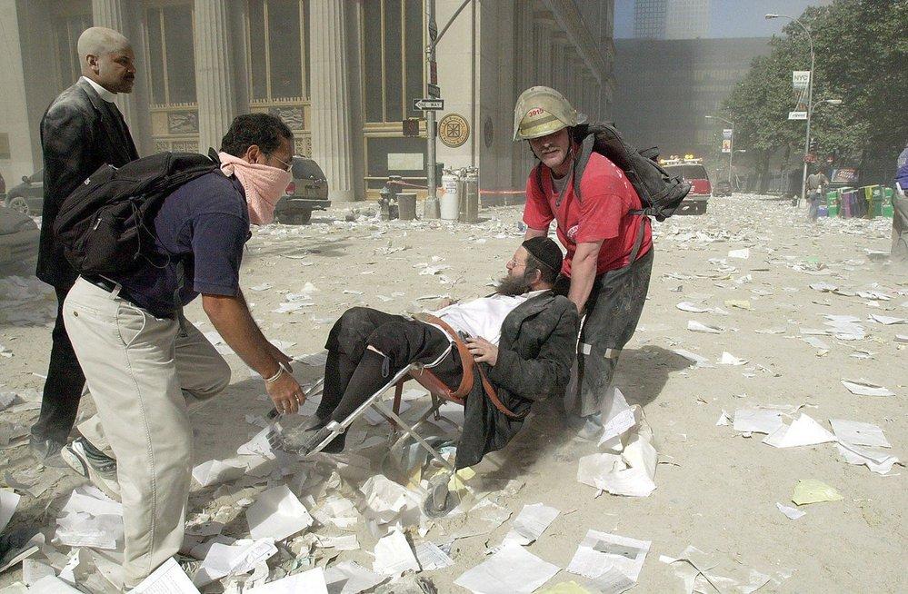 Obrazy zkázy po teroristickém útoku na Světové obchodní centrum