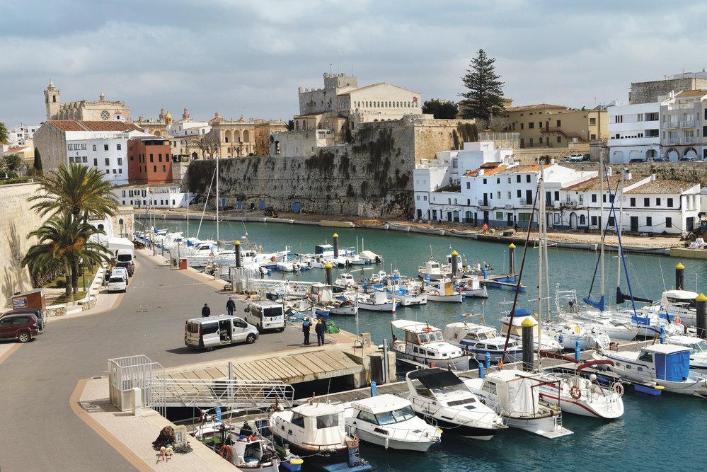 Starý přístav ahistorické centrum Ciutadelly