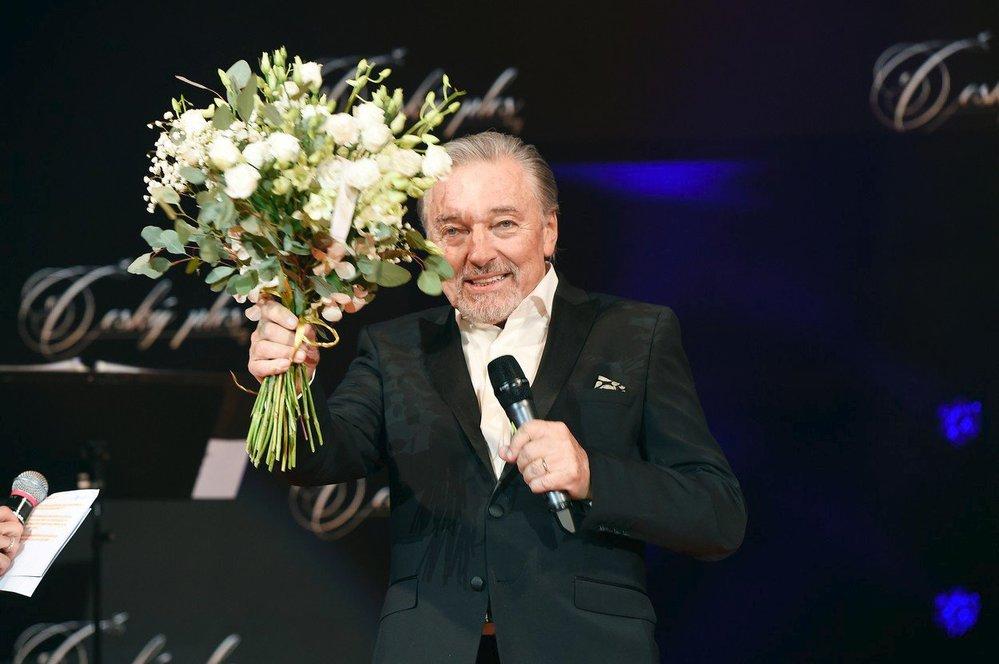 Karel Gott na plese v roce 2018