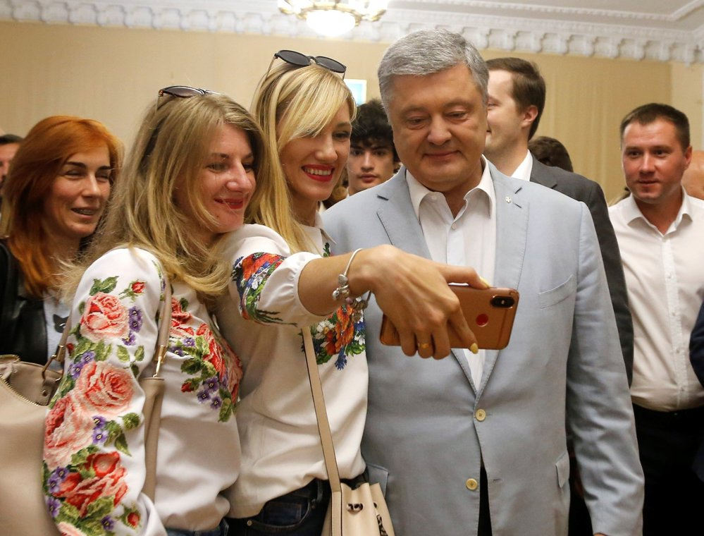 Bývalý ukrajinský prezident Petro Porošenko u voleb.