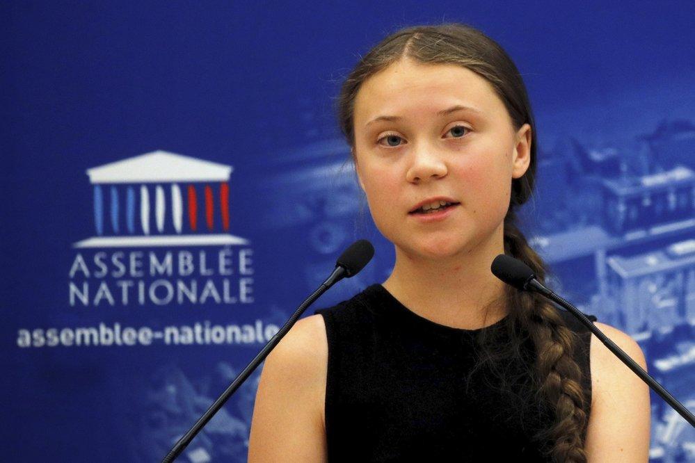 Švédská aktivistka Greta Thunbergová při projevu ve francouzském parlamentu
