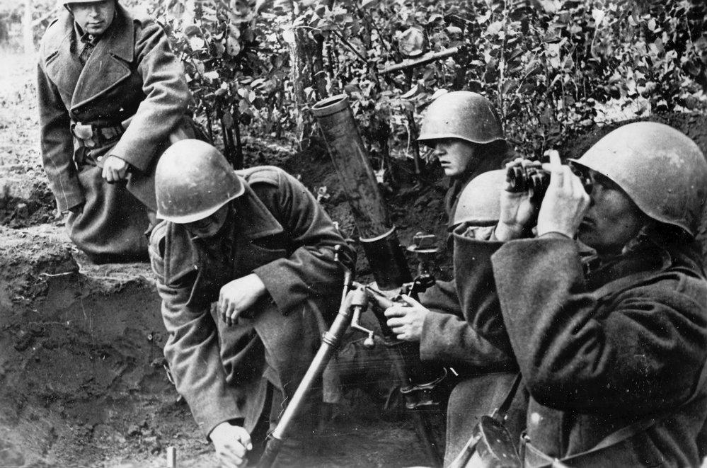 1944 Českoslovenští vojáci pri Karpatsko-Dukelské operaci