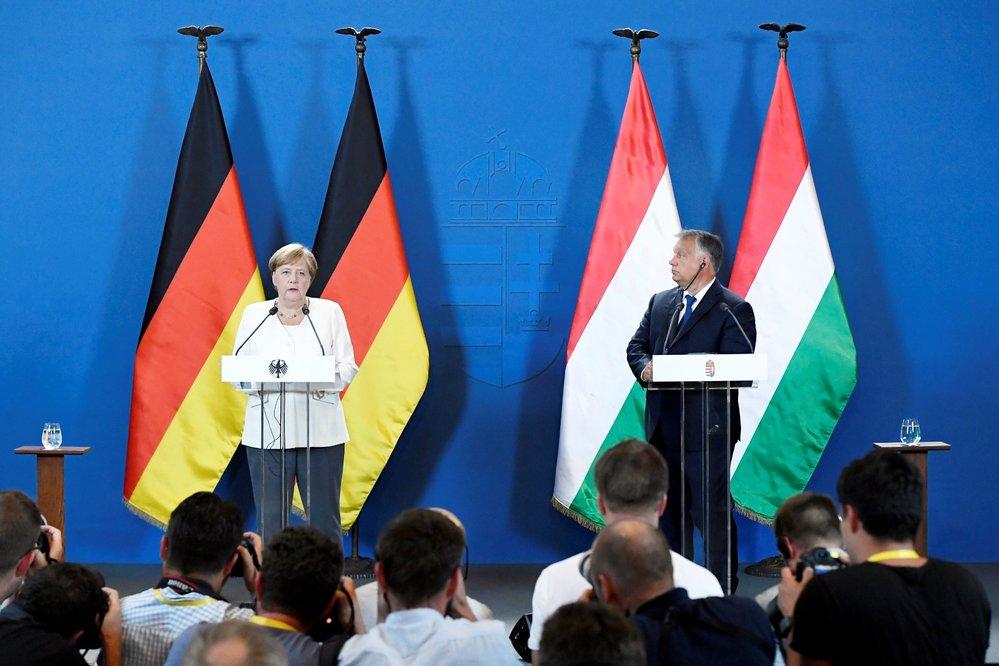Merkelová a Orbán oslavili 30. výročí počátku pádu železné opony (19. 8. 2019)