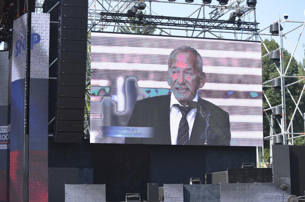 Předseda Senátu Jaroslav Kubera během svého projevu na 75. výročí Slovenského národního povstání