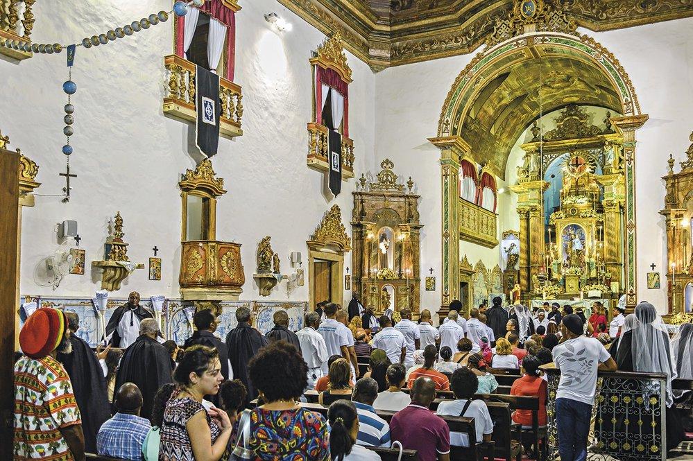 Netradiční svatá mše v kostele Nossa Senhora Rosário dos Pretos