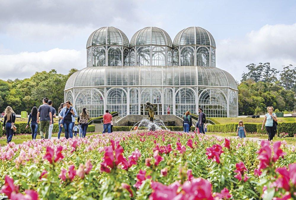 Ve věčně rozkvetlé botanické zahradě je i krátká procházka balzámem pro naše oči i duši