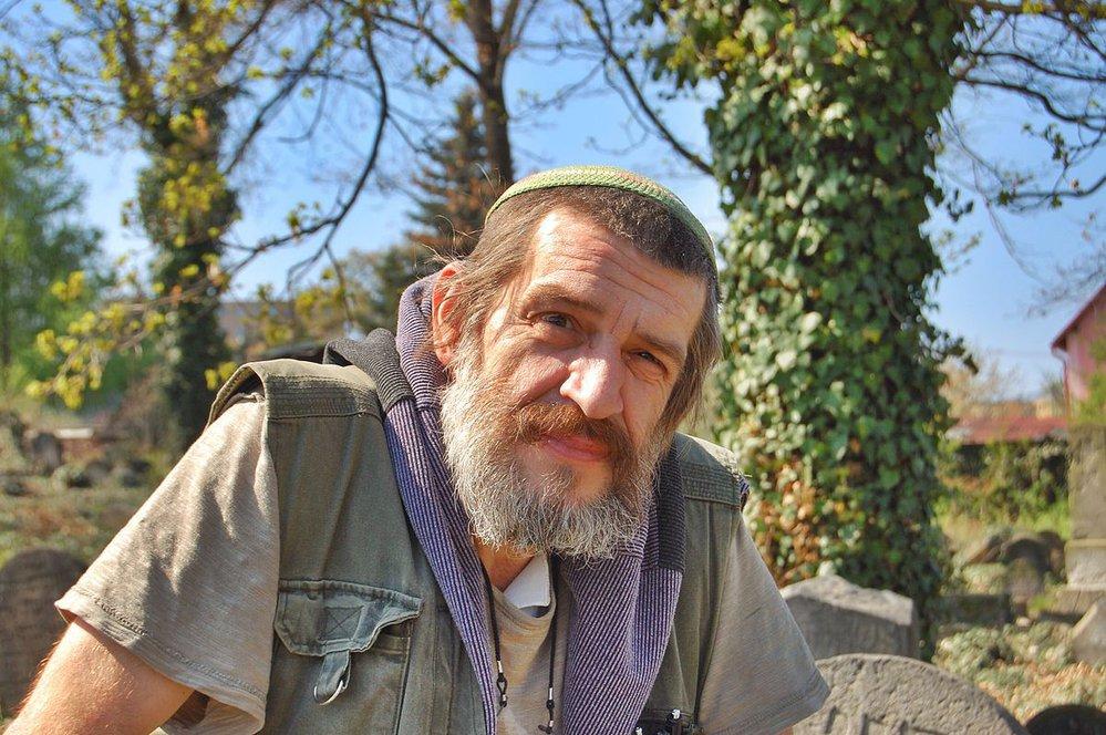 Jaroslav Achab Haidler, autor knihy Židovské hřbitovy a pohřbívání.