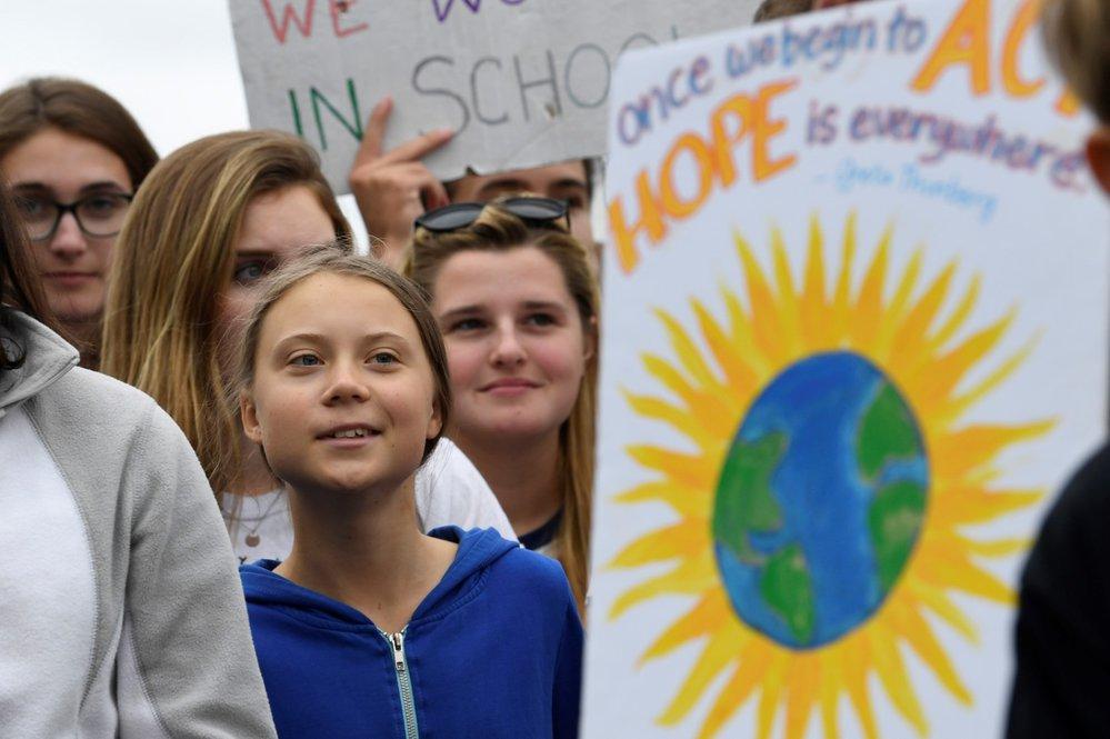 Greta Thunbergová demonstrovala s dalšími studenty před Bílým domem (13. 9. 2019).