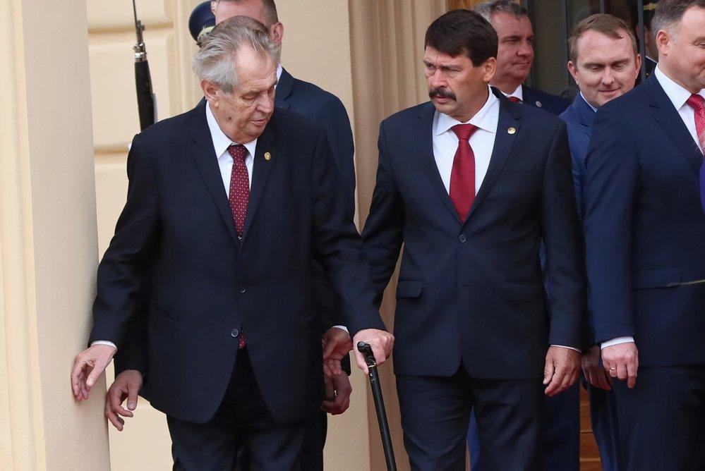 Český prezident Miloš Zeman a prezident Maďarska János Áder.