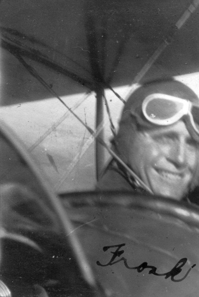 Piloti pro zachycení okamžiků ve vzduchu použili tehdy velice populární Vest Pocket Kodak.
