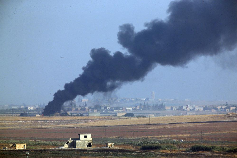Na severu Sýrie se již ozývají výbuchy z turecké invaze proti Kurdům (9. 10. 2019)
