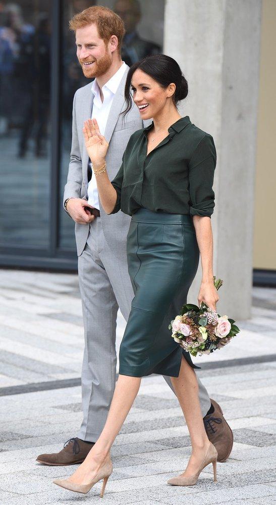 Pouzdrová kožená sukně