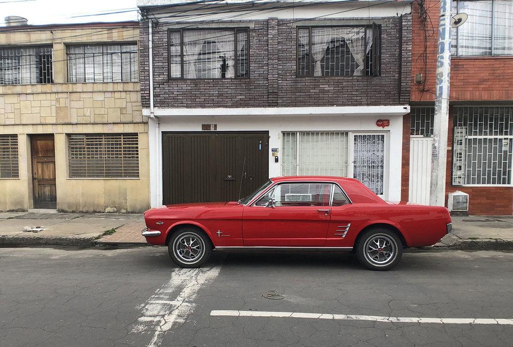 Tento pohled se prostě neomrzí. Klasický Ford Mustang je prostě nádherný.
