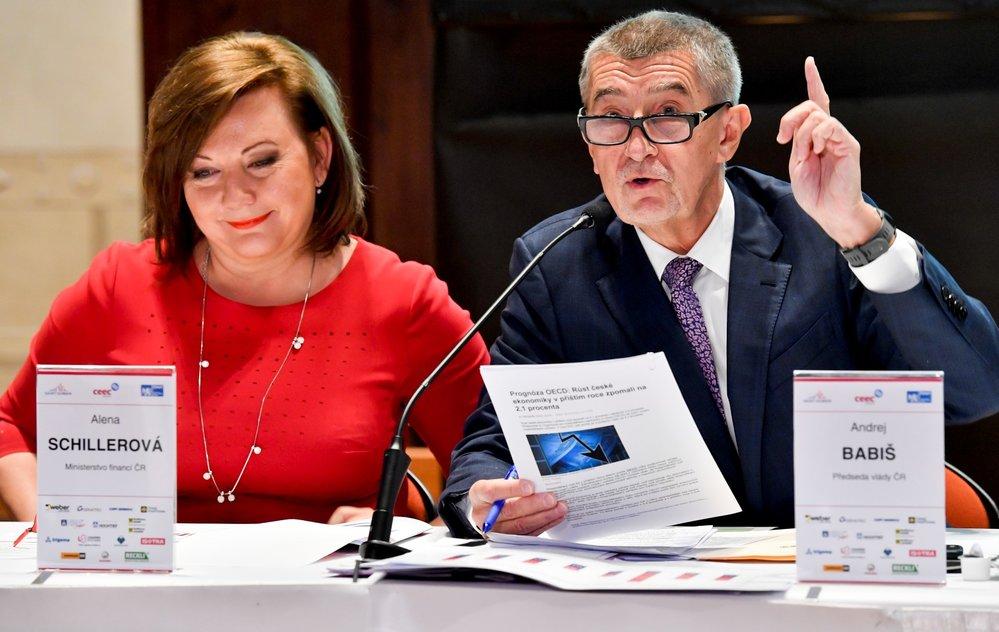 Premiér Andrej Babiš mluví o Národním investičním plánu na setkání s představiteli českého stavebnictví