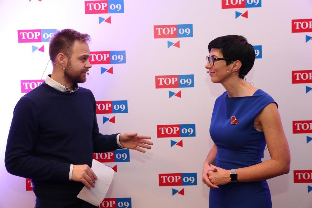 Markéta Pekarová Adamová při svém první rozhovoru pro Blesk Zprávy po svém zvolení předsedkyní TOP 09. Poprvé v desetileté historii strany stala v jejím čele žena. (24. 11. 2019)