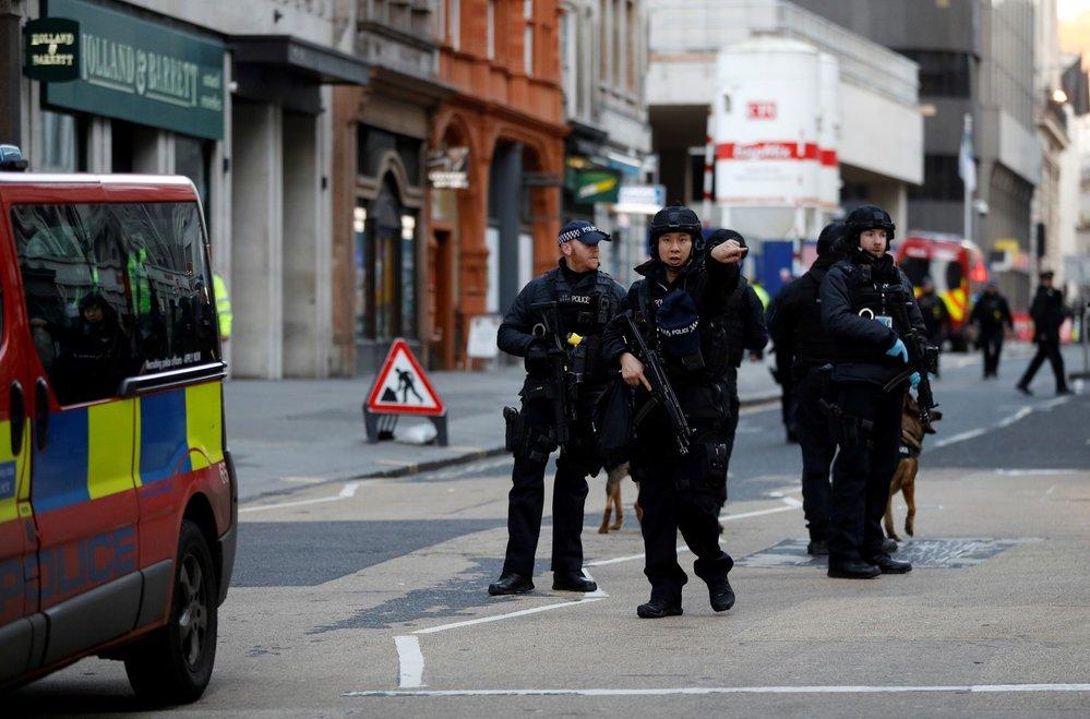 Zásah policie u London Bridge.