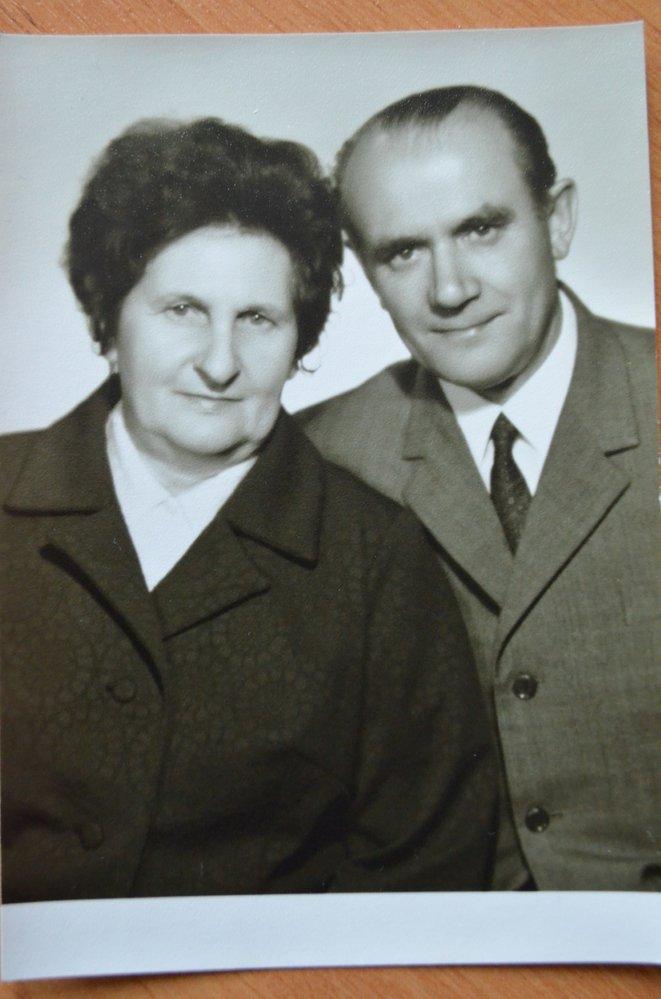 Magdalena a Evžen Kytnerovi. Svatební foto z roku 1942