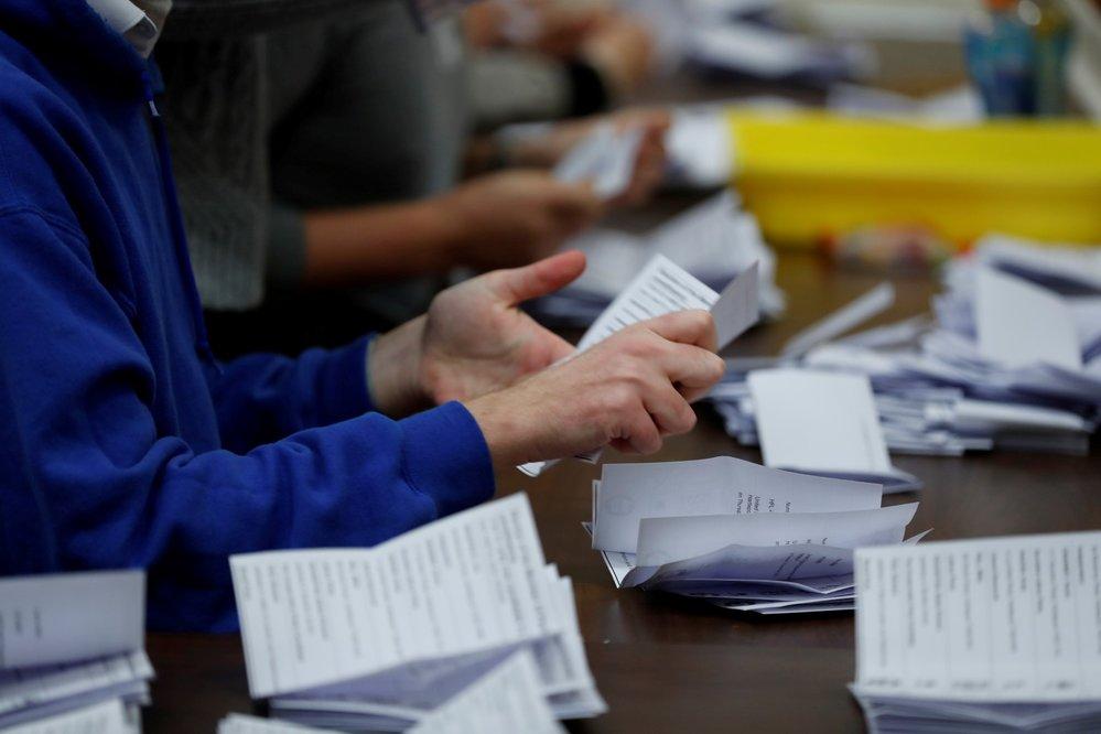 Po uzavření volebních místností přišlo na řadu čítání hlasů.