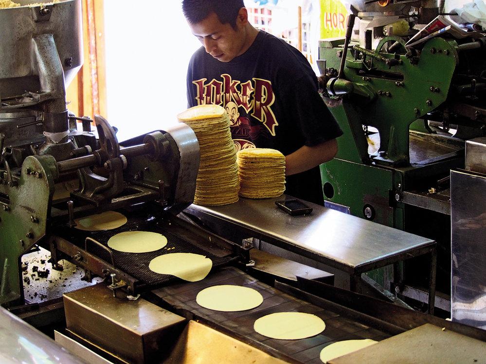 S výrobou už pomáhají stroje