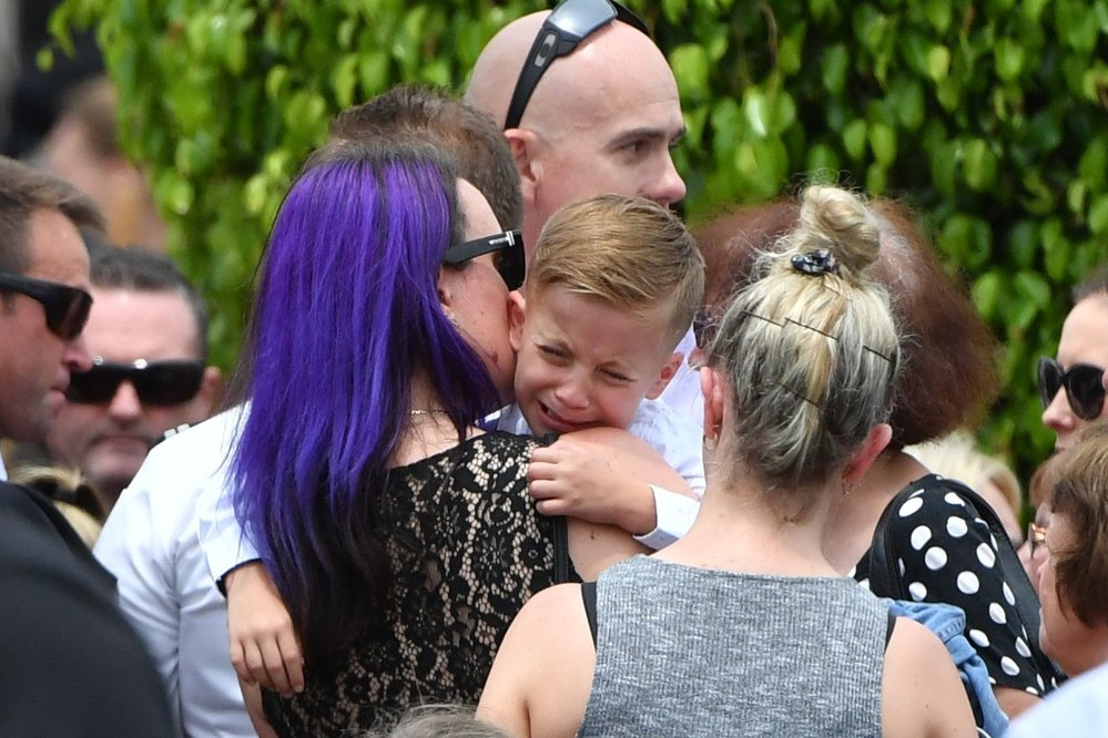 Dojemný pohřeb australského hrdiny, který zemřel při boji s požárem.