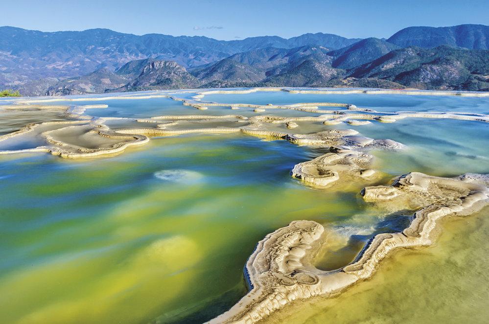 Hierve el Agua (Vroucí voda) nedaleko města Oaxaca