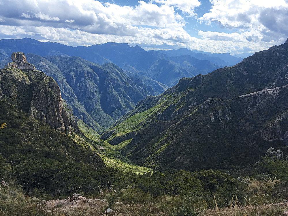 Kaňon Barrancas del Cobre ve státě Chihuahua