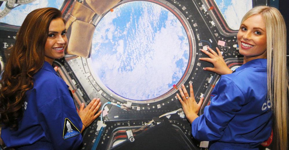 Upoutávka na výstavu Cosmos Discovery